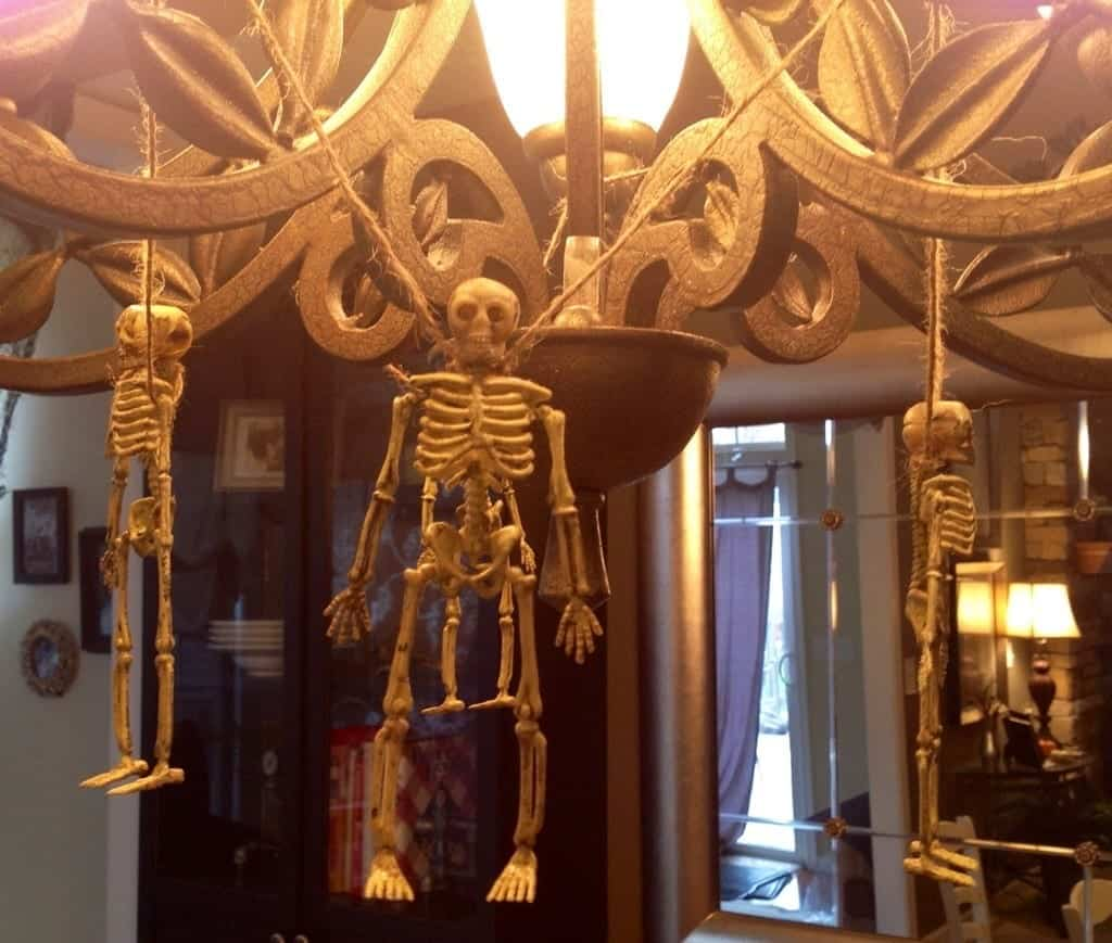 dollar-store-halloween-decor